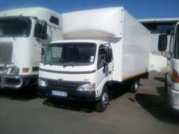 Toyota Hino 300 4T Closed Body Truck For Sale