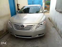 Clean tokunbo Toyota Camry muscle wt reverse camera, DVD Bluetooth