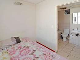 100 jorrissen cosy 1 bed apartment for rent immediatly in braamfontein