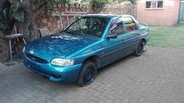 Ford Escort TD 1.8 body for sale.