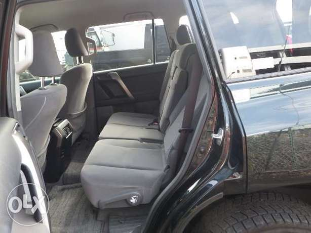 Landcruiser prado grey colour 2011 model excellent condition Kilimani - image 5