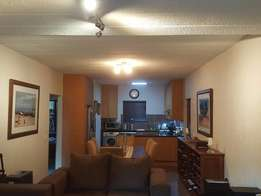 Lovely 2 bedroom unit to rent available 1 May