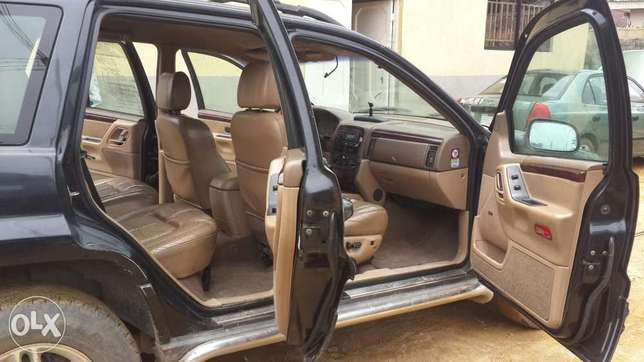 Clean Grand Cherokee Jeep Port-Harcourt - image 3