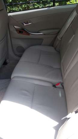 Valvmatic G-Superior 2000cc Toyota Premio leather seats Nairobi CBD - image 4