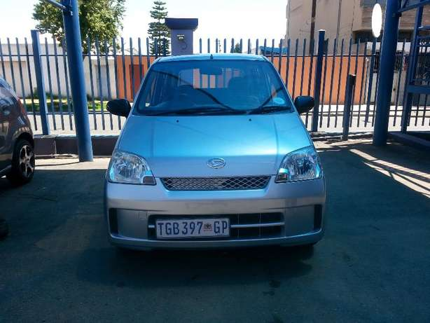 2006 Daihatsu Charade 1.0 CX Automatic for only R 45,990.00 Rosettenville - image 2