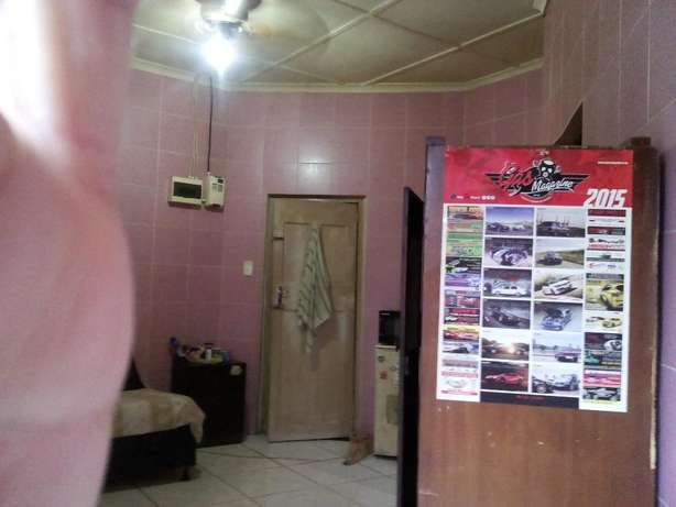 Nice room in house with own shower,toilet,basin,R3000,pref to single Montclair - image 4