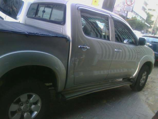 2.7 Toyota hilux Jeppestown - image 6