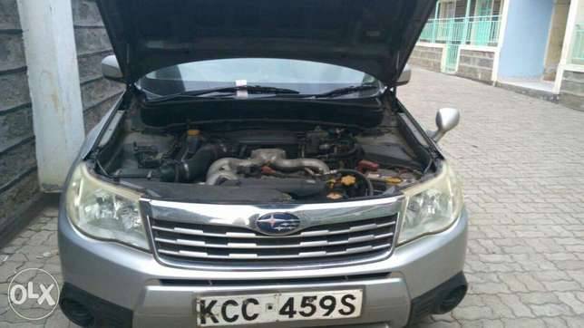 Subaru Forester new shape automatic non-turbo. Lady owned City Centre - image 5