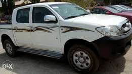 Toyota Hilux very sound for sale.