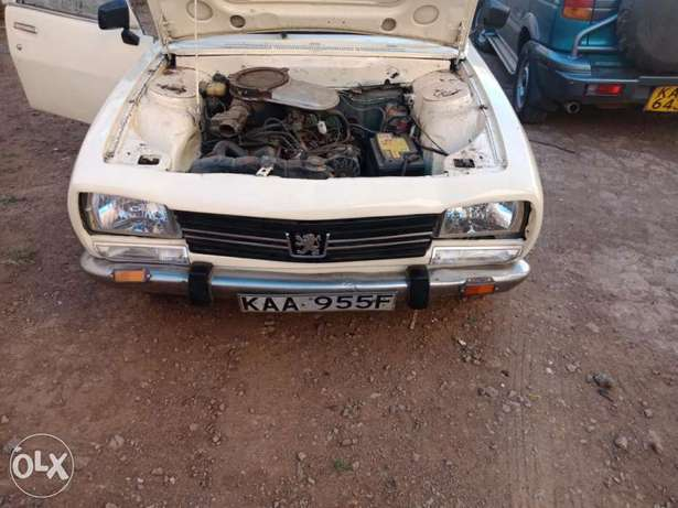 Peugeot 504 pick up for sale, working condition 5 speed inspected. Baba Dogo - image 6