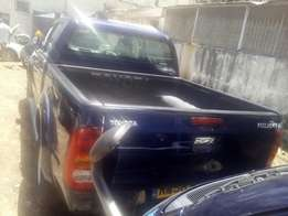 Toyota hilux double cabin,manual diesel engine,3Ltr,2010 model,on sale