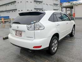 Toyota harrier with leather seats at 2.75m
