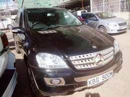 Locally used Mercedes ML500, Black 2006 Model Selling at 3,500,000/=