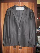 06757b68284d7 Sprzedam czarny błyszczący garnitur 176/96