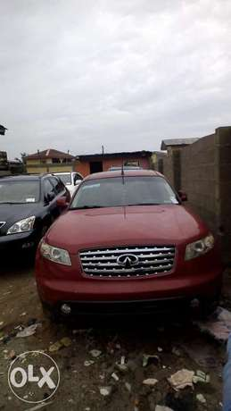 Clean tokunbo Infiniti fx35 full option Lagos Mainland - image 2