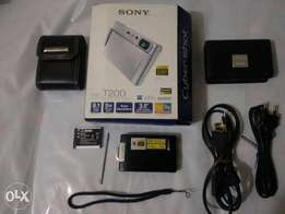 SONY CyberShot DSC-T200 Camera Black +