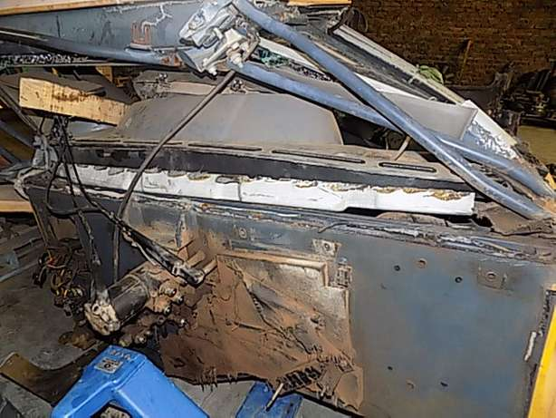 Bell B30D Cab Stripping for Spares Memel - image 7