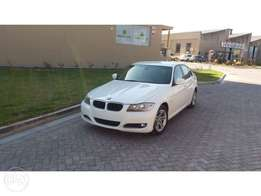 BMW 320i 2011 late exclusive addition!!!