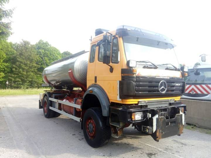 Mercedes-Benz 2031 4x4 WITH WATERTANK IN STAINLESS STEEL - 1997