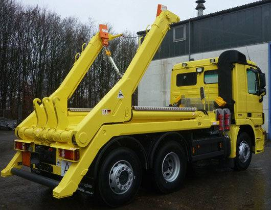 AUTOCONTAINER multifunctional skip loader truck