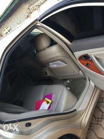 Super Clean Tokunbo Standard Few months Used Toyota Camry 2012 model Abuja - image 8