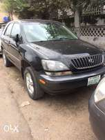 Lexus RX300 jeep black V6 with factory ac Nigerian used