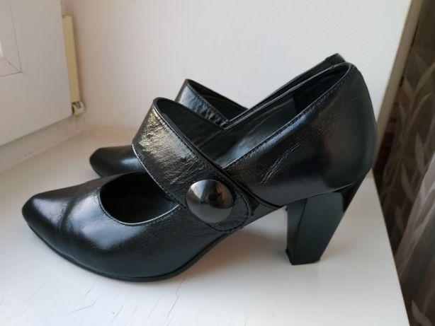 5eae24f39f0d3c Туфли на каблуку Kaypi 37р. (24 см.): 599 грн. - Жіноче взуття Рівне ...