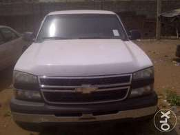 Heavy duty Chevrolet TRUCK ( TOKS ) up for grabs!