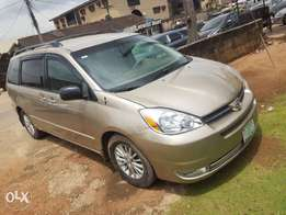 8-Months Old Toyota Sienna Full Option DVD