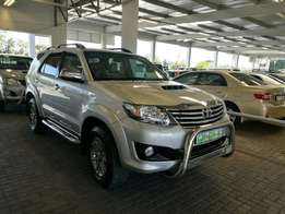 Fortuner 3.0D-4D Limited Edition. 4x2