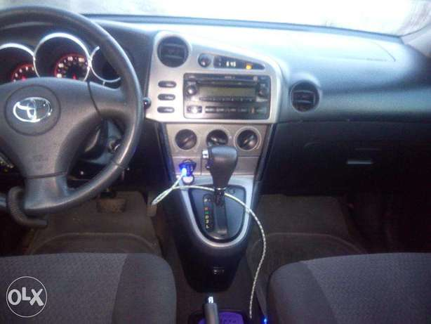 A Clean Toyota Matrix 2007 Model Surulere - image 3