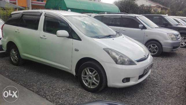 toyota wish 2005 4wd select super clean buy and drive 7seater Hurlingham - image 3