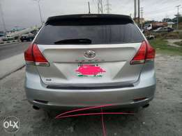 Toyota venza 010 model for sale full options buy an use