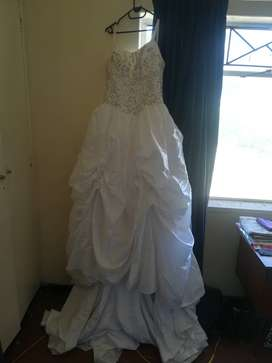 Wedding Dresses Classified Ads For Clothing Shoes In Western