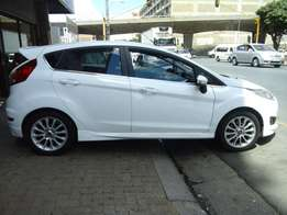 2013 model ford fiesta 1.0 hatchback,white,41 000km,for sale