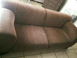 Selling a 3 piece lounge suite, brown.