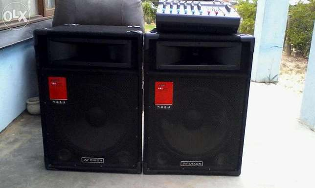 Like Brand New 2 Dixon 15 inch Speakers, 6 Channel Powered Mixer... Kempton Park - image 1
