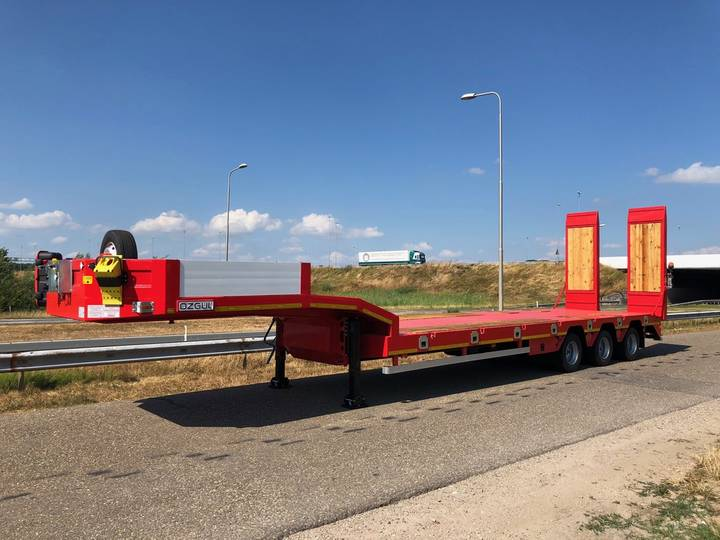 Ozgul LW3 Axles Lowbed Semi Trailer 2.5m 52T Dutch registration... - 2018