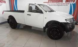 2014 mitsubishi triton 2.4 mpi glx single cab 4x2 with very low km's