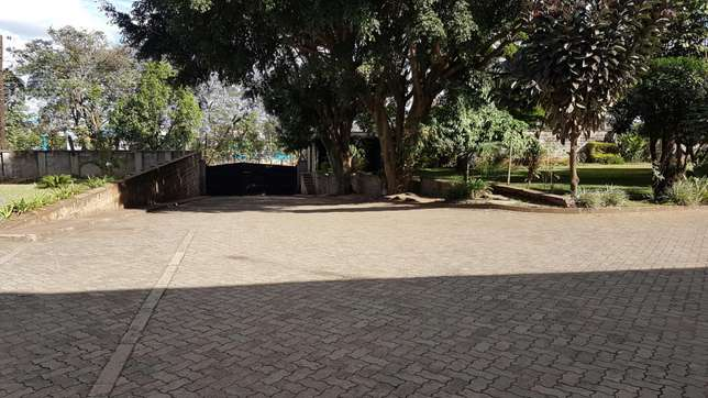 1.3 acres upperhill with 5 mansionatte for let at 225k a unit Nairobi CBD - image 3