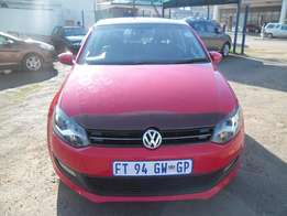 A Vw polo 1.6 sunroof, with full service book, 2014 model, 4-doors 480