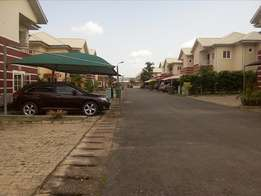 Serviced 3bedroom flat with BQ to let at Jimenta station by Apo Qtrs