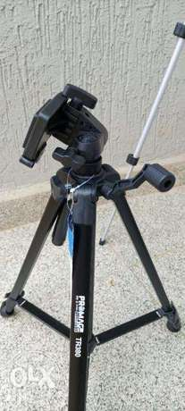 Promage Professional Camera Tripod TR380 Light Weight Plus Carry Case