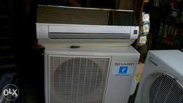 Sharp 1.5 HP Mirror split AC Used by a white man