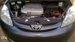 Extremely clean Toyota Sienna