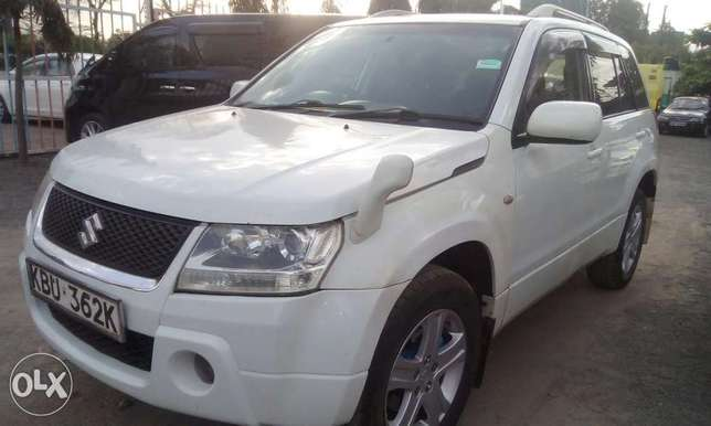 Suzuki Escudo good condition South B - image 2