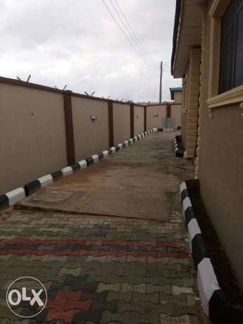 Tastefully built 2 bedrooms apartment for rent at idi-oya Ibadan South West - image 5