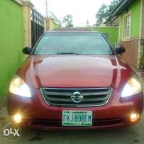 Very Sharp Altima with DVD