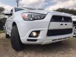 White Mitsubishi RvR with Optional 4WD
