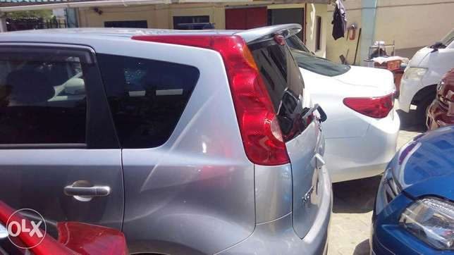 Nissan note silver colour fully loaded kcn Mombasa Island - image 5